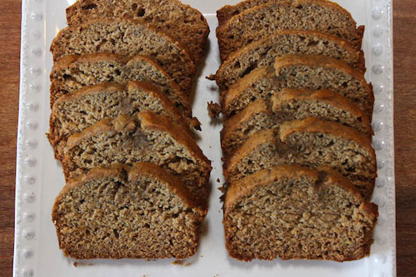 whole wheat banana bread with no added sugar @thegrommom.com