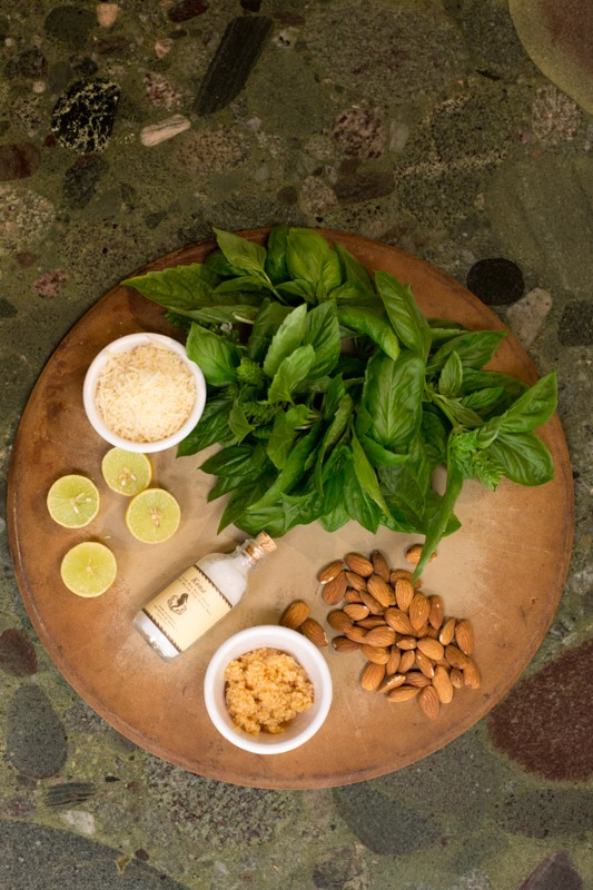 almond basil pesto ingredients