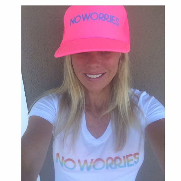 "Retrosoul hat/ t-shirt ""No Worries"""